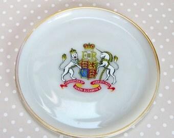 Vintage Retro White Glass Queen Elizabeth II 1953 Coronation Souvenir Plate - Kath