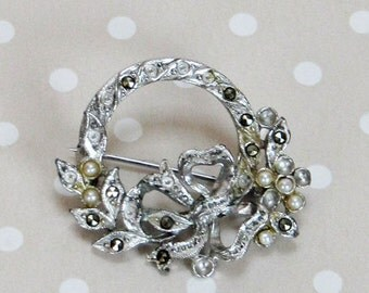 Stunning Vintage Silver Tone Metal Flower and Bow Style Rhinestone and Faux Pearl Pin Brooch - Kath