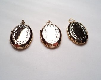 3 pcs - Vintage gold plated oval lockets with beveled edges - m256