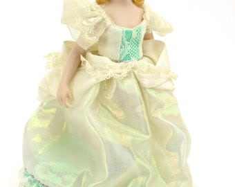 Vintage Avon Fairy Princess,  MINT, Fairy Doll, Princess Doll,  Collectable Doll, Avon Collectibles, Doll with Stand 1989 Retired Epsteam