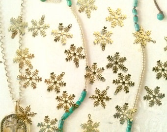 48 Goldplated Snowflakes with Hearts Charms