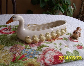 Vintage Ceramic Mamma Duck/Goose/Swan With Her Brood/Chicks-Easter/Spring/Serving/Cookies/Bread/Planter