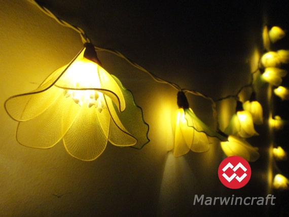 20 Yellow Rain Lilly Flower Fairy String Lights by marwincraft