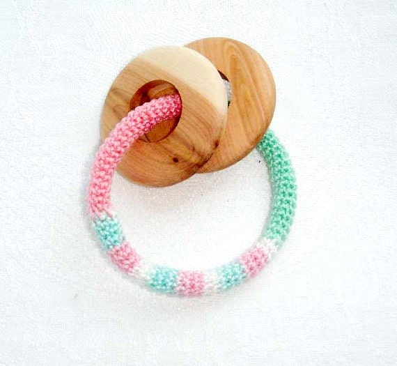 Teething ring with wooden rings Baby teether Green mint pink Pastel color Rattle Crochet teething toy Wooden ring