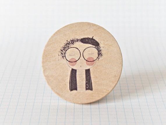 Illustrated wooden brooch - Cute Nerd