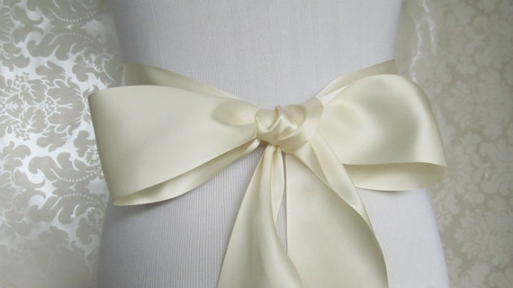 Ivory Satin Ribbon Sash / Ribbon Sash / Satin Bridal Sash /  bridesmaid Sash / Ivory