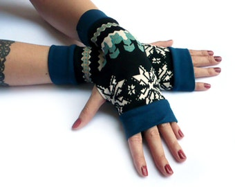 Blue  Winter  Arm Warmers Fingerless Gloves - Christmas, Arm Warmers , Snowflakes Armwarmers Blue and White