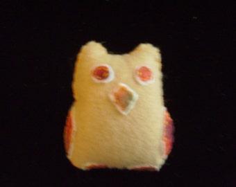 Felt Hoot Owl Pin