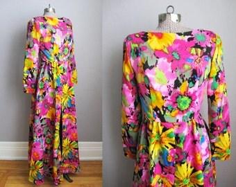 1960s Vintage Dress Psychedelic Flower Print 60s Dress Junior Vogue Loungewear / Small