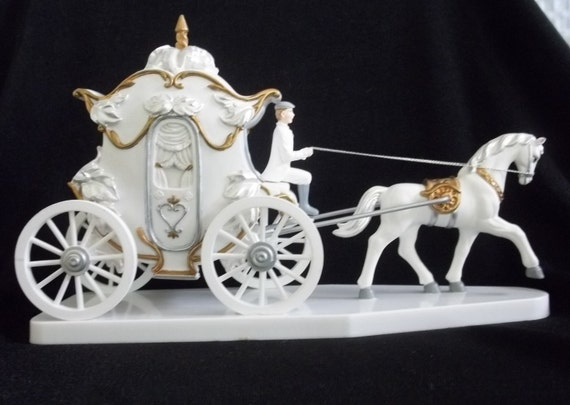 Wilton Cake Topper Carriage