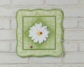 3D Daisy Wall Quilt Kit, Grass Green