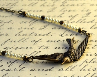 Boho Flying Bird Necklace Tiny Pearls Antique Bronze Victorian Swallow Fashion Jewelry Short Bohemian Jewellery PaisleyBeading Free Shipping