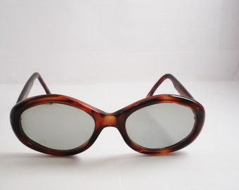 Authentic Vintage 1960's  Women's Sunglasses - See our huge collection of vintage eyewear