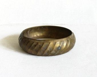 Brass bangle bracelet, swirled pattern, Vintage handmade jewelry, made in India, swirling, Retro boho jewellery, gift, urban gypsy, Bohemian