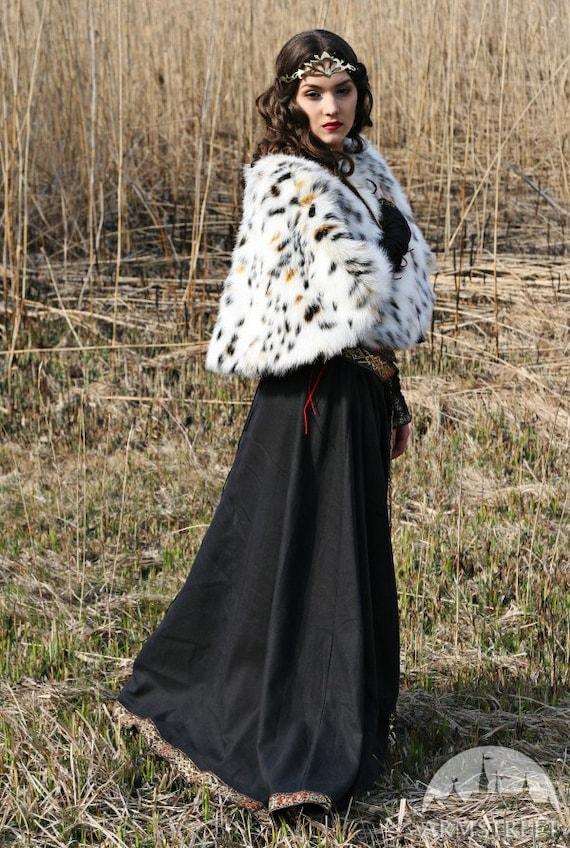 """Medieval Black Dress with Vest and Fur Pelerine """"Lady Hunter"""""""
