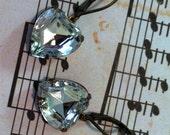 Gift Under 15 - Vintage Glass Clear Heart Shaped Rhinestone Earrings -  Lever Back Earrings - Valentine's Gift -- Antique Earrings - Clear