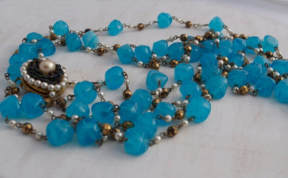 Vintage 1960s Chunky Turquoise Blue Glass Bead Necklace