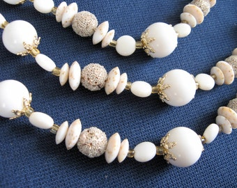 Vintage 1960s-70s White and Gold Tiered Necklace