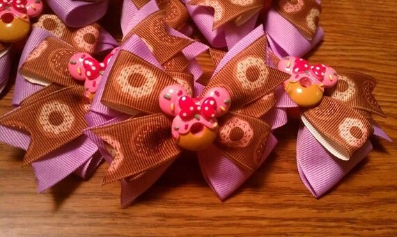 Minnie Mouse Donut Bow