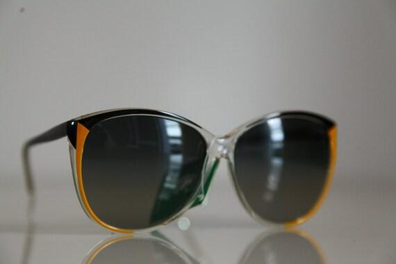 Vintage Polaroid Oversized Butterfly Black / Ochre/ Crystal Frame Sunglasses, Tortoise Frame, Polarizing Lenses 8751D. Made in Italy