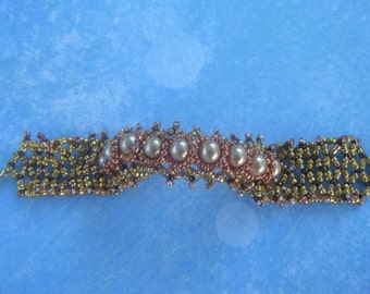 Gold Seed Bead and Pearl Bracelet