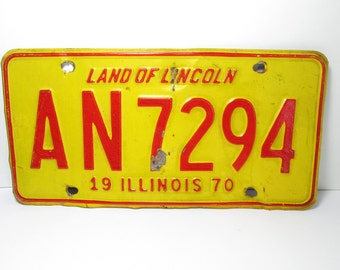 1970 Illinois License Plate Red Yellow AN 7294