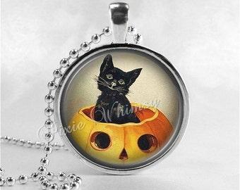 VINTAGE HALLOWEEN Necklace, Jack O Lantern, JOL, Black Cat, Pumpkin Patch, Victorian Halloween, Glass Art Necklace, Halloween Jewelry