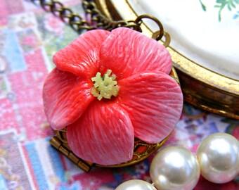 Pink Flower Necklace Pink Flower Locket, Pink Polymer Clay Necklace, Floral Locket, Polymer Clay Jewelry, Pink Flower Kawaii Necklace