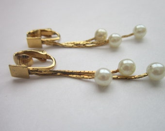 Vintage Fine Gold Tone & Faux Pearl Earrings