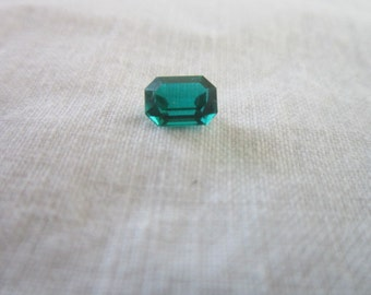 Vintage Lindenwold Created Emerald Pretty and Nice Size