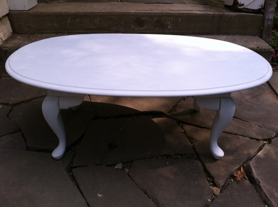 Vintage Solid Oak Coffee Table With Queen Anne Legs