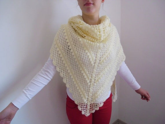 Mohair crochet triangular shawl / ivory