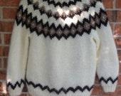 Beautiful 100% Off-White Wool Sweater - Women's Medium