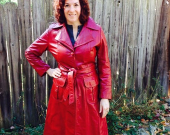 Leather Trench Coat // Lipstick Red Leather Coat // 70s Trench Coat // Belted Trench//Size 10