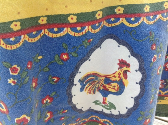 Vintage Round Rooster Tablecloth