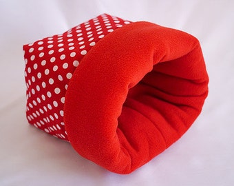 cosy sleeping bag / cuddle sack for guinea pigs, hedgehogs or sugar gliders (points on red/red)