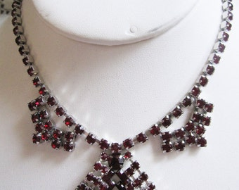 Retro vintage Hollywood Regency  Red Rhinestone  necklace 1940 era  Estate find, clip earrings - Awesome/elegant set  - see to appreciate