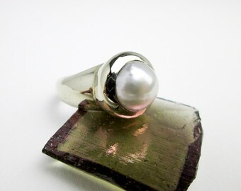 Layaway for Gilli.............Genuine South Sea 9mm. Snow White Pearl, Custom Set in 14k White Gold, ca,1990 Tampico SF.