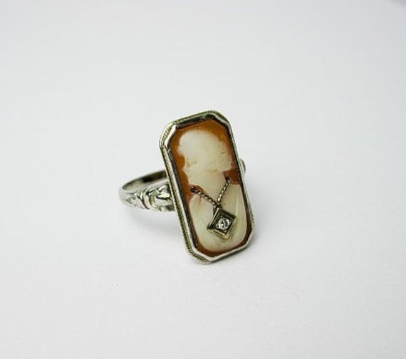 1930s Art Deco White Gold Ring, Shell Cameo Damsel w. a Genuine Diamond Necklace, USA.