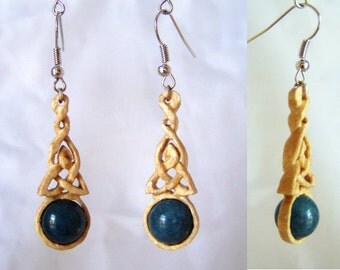 Earrings made of Birch wood with Sapphire Pearl
