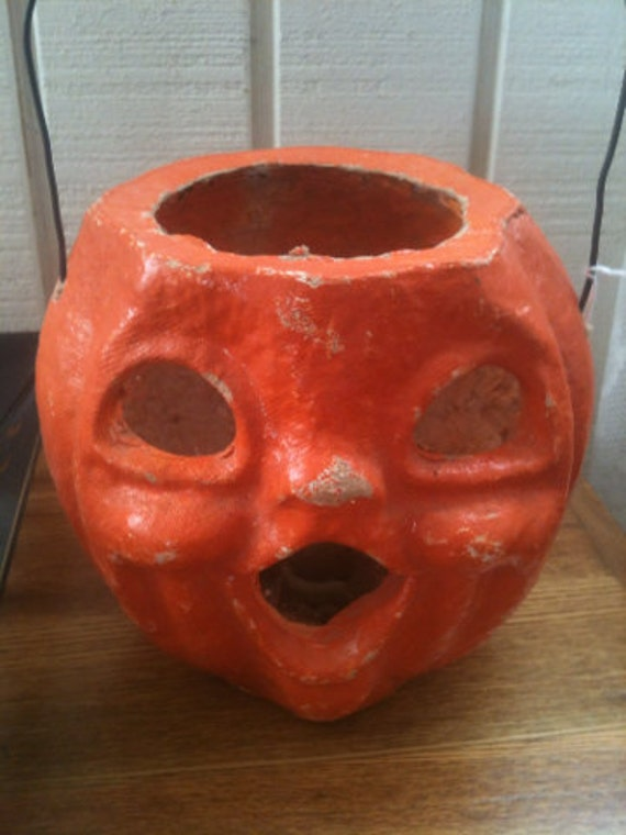 Super spooky vintage paper mache jack o lantern by for Papier mache lanterns