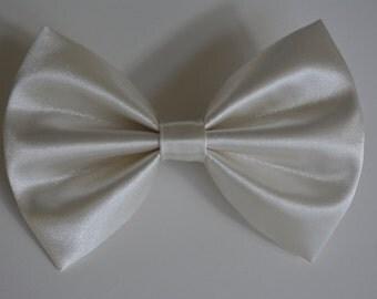 Hair Bow - Ivory SatinHair Bow for Women,hair bows for girls,gilrs hair bows,ivory bow