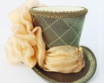 Green Mini Top Hat, Wedding Top Hat, Mini Hats, Tea Party Hat, Mad Hatter Hat, Green Top Hat, Women Mini Top Hat, Women Fascinator