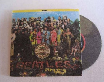 Record Album Beatles Sgt Pepper's Lonely Hearts Club Band - dollhouse miniature 1:12 scale