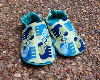 Reversible baby shoes, elephants, green and blue | baby booties | soft sole crib shoes | baby shower present | christmas present