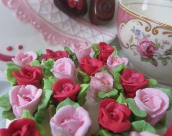 Royal Icing Valentine Rosette Sugar Cubes