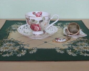 "Napkin -Tapestry - Flowery - Dark green - Emerald - Yellow - Gold - 38 cm x 38 cm (15"" x 15"")"