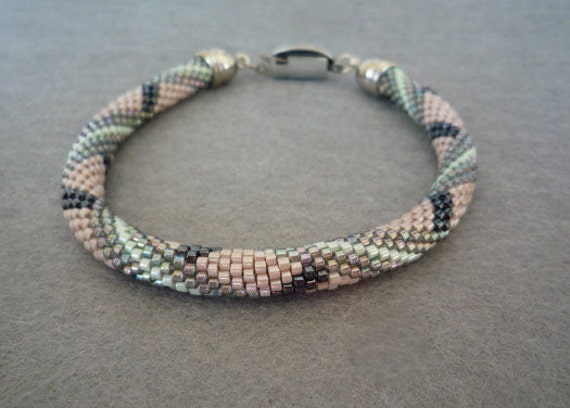 armbänder häkeln mit perlen