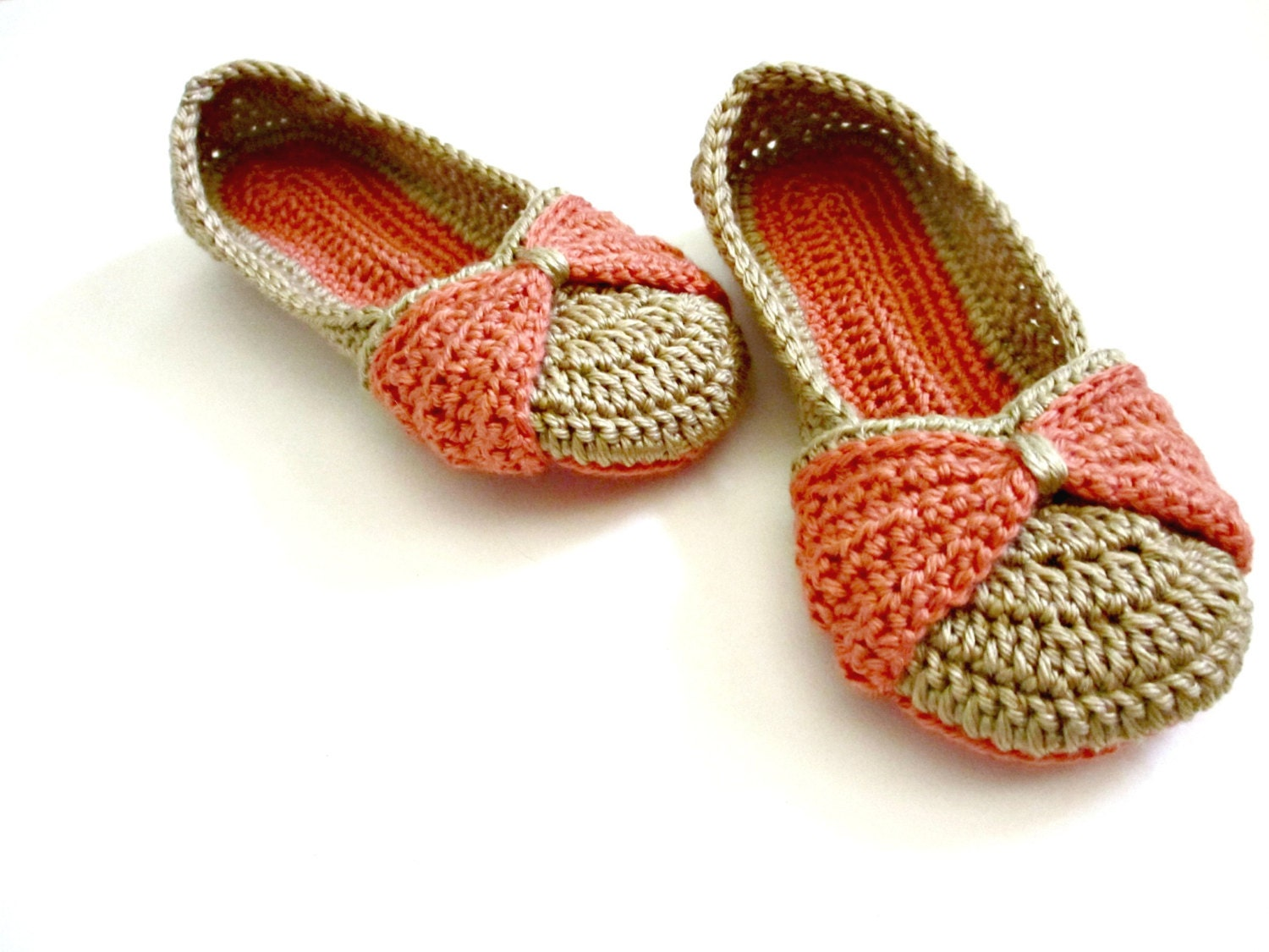 Crochet Slippers : Womens Slippers Bow Slippers Double sole crocheted by ...