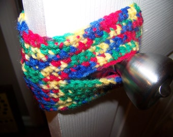 Crochet Door Jammer/door bumper/autism awareness puzzle pattern design/crayron colors